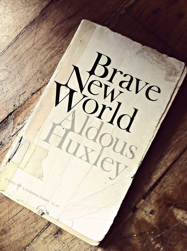 """Aldous Huxley   """" Cesur Yeni Dünya """""""